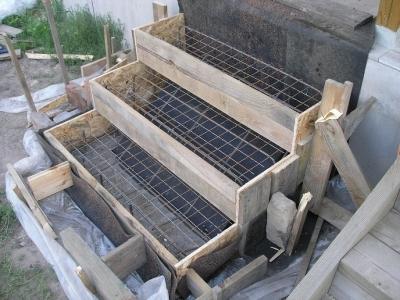 Готовая опалубка лестницы из бетона на веранду