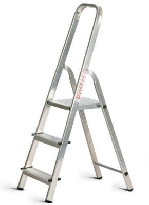 Классическая лестница из алюминия