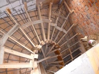 Опалубка для винтовой лестницы с забежными ступенями
