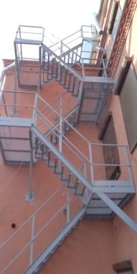 Маршевая эвакуационная лестница