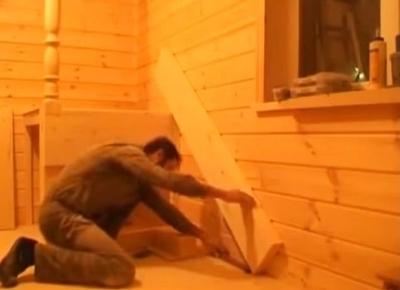 Разметка положения нижней части лестницы
