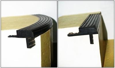 Резиновый уголок на ступени