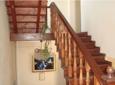 Лестница, сделанная из дерева