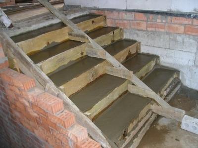Монолитная лестничная конструкция
