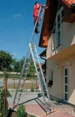 Использование лестницы для высотных работ