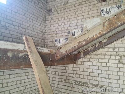 Монтаж лестницы по металлическим косоурам