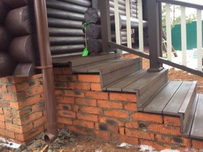 Лестничное сооружение из композита