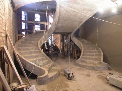 Бетонная основа для лестницы