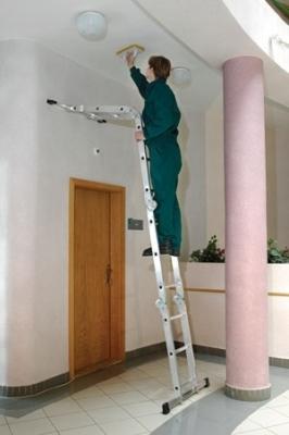 Приставная четырехсекционная лестница