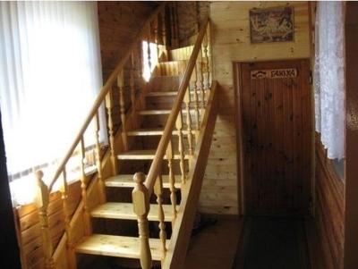 Прямая лестница в баню