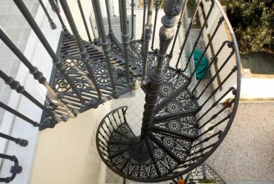 Лестница из чугуна для внешнего использования