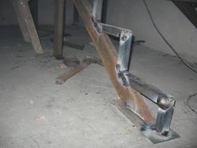Металлические ступени с наполнением из массива