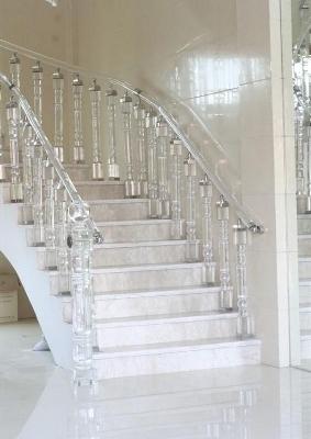 Стойки к лестнице из дуба