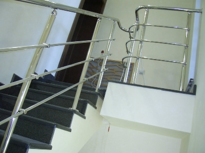 Стандартные перила на лестницах