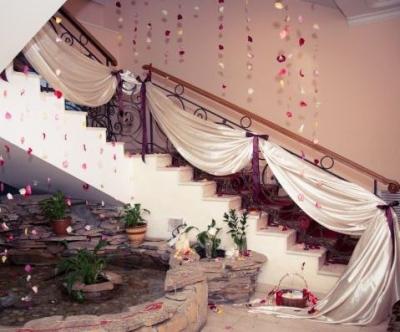 Декоративная отделка ступеней к бракосочетанию