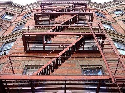 Маршевая лестница с площадками
