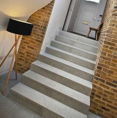 Классика в дизайне бетонной лестницы