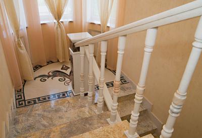 Накладные ступени в интерьере дома