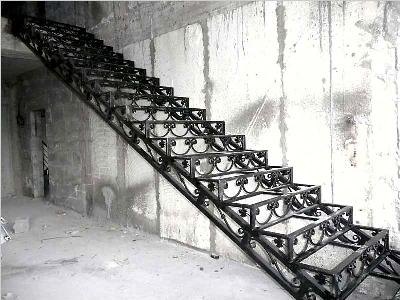 Холодная ковка, маршевая лестница
