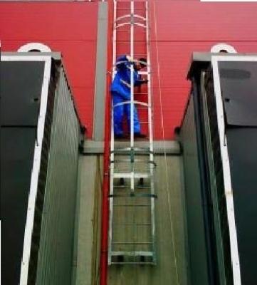 Зрительная проверка лестницы на дефекты
