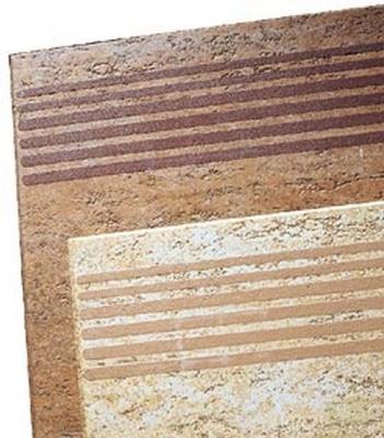 Рельефные полосы на плитке