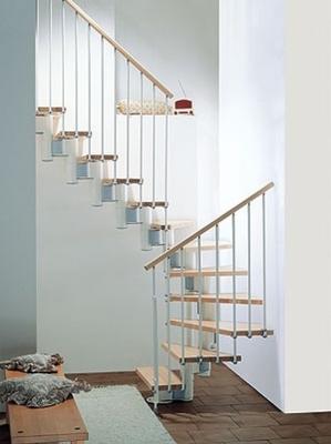Модульный тип лестницы для обустройства двухэтажного здания
