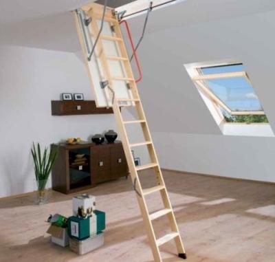 Откидная лестница внутренней установки