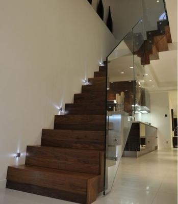 Подсветка лестничной установки