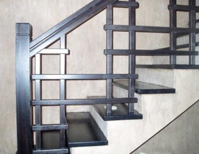 Металлические опоры для лестничных сооружений