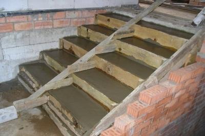 Самостоятельное размещение бетонной лестницы