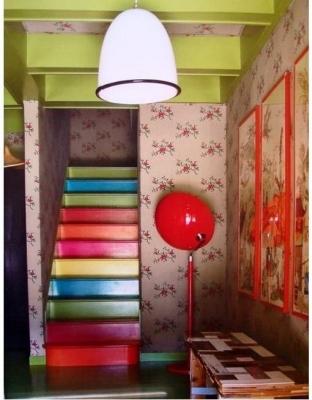 Крашеная лестница
