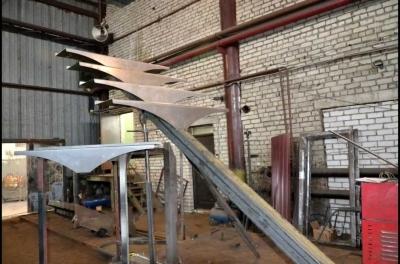 Железная лестничная конструкция