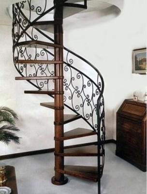 Оформление перил винтовой лестницы