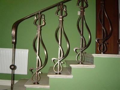 Кованые балясины на ступенях