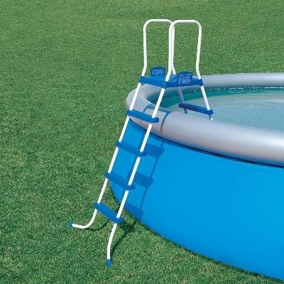 Пластиковая лестница для надувного бассейна