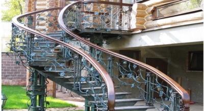 Наружная лестничная установка