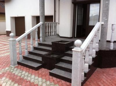 Внешняя лестничная конструкция