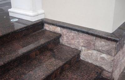 Уличные ступени из камня