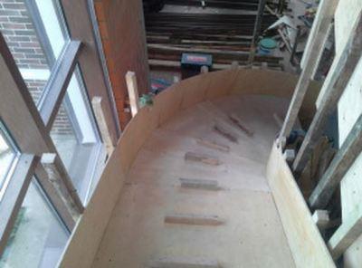 Опалубка для лестницы с изгибами
