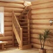 Какая конструкция лестницы из дерева подойдет для дачи