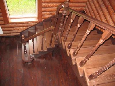 Г-образная лестница двухмаршевая