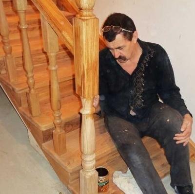 Нанесение на ступени лакокрасочного покрытия
