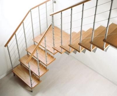 Металлическая маршевая лестница из модулей
