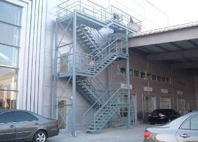Наружная лестница для эвакуации
