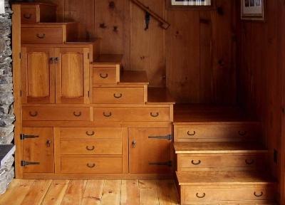 Можно спроектировать оригинальную лестницу