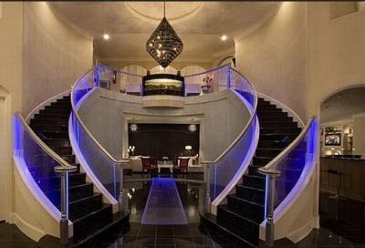 Подсветка лестничного сооружения