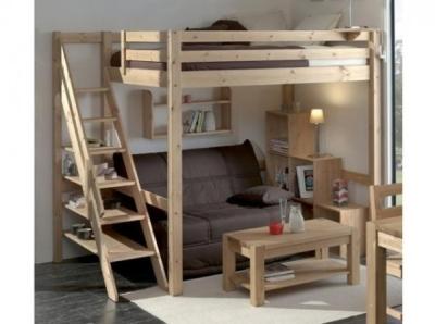 Кровать с лестничной установкой и диваном