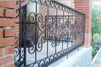 Перила, кованные для террасы и лестницы