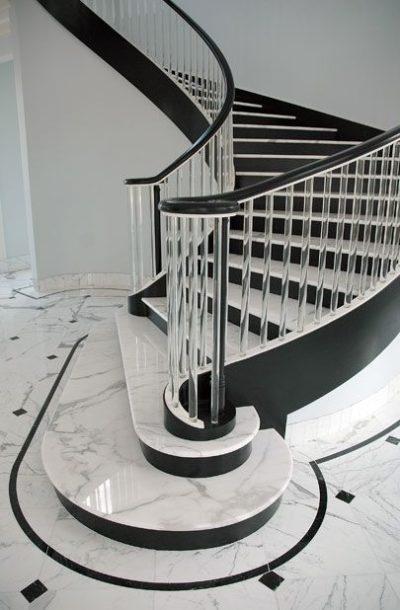 Белые ступени